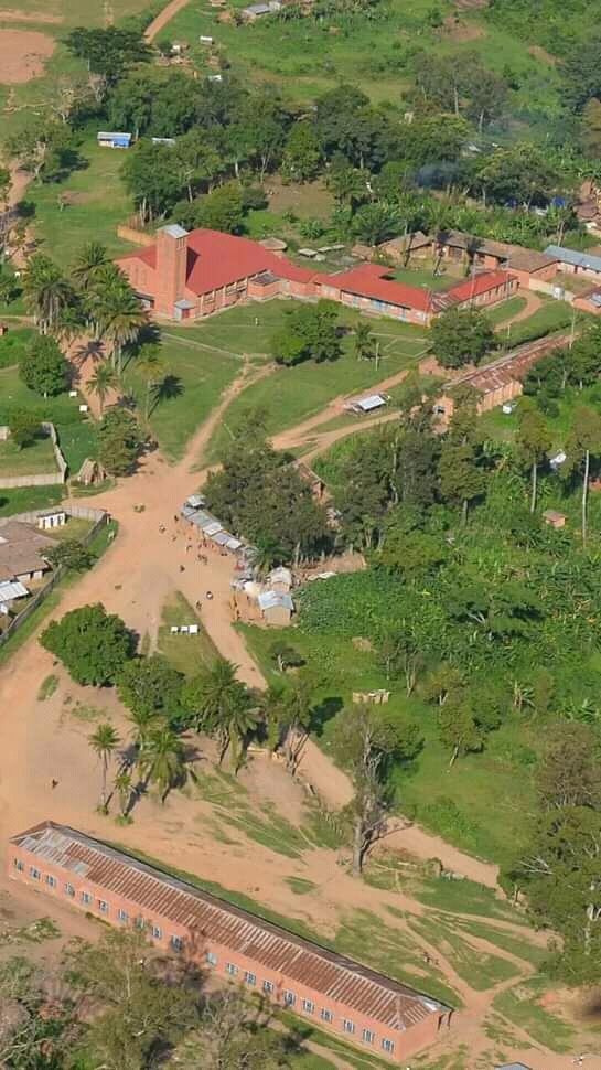 Église et école primaire Géty-Mission